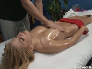 Carmen caldi sesso olio massaggio
