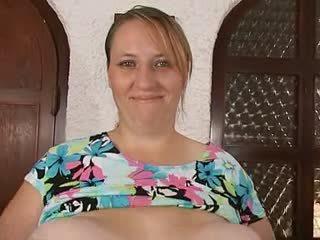 Mère & son massif énorme saggy nichons
