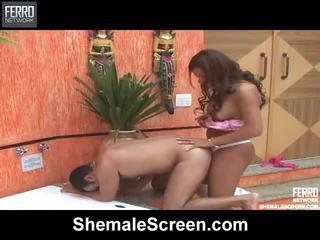 Zmiešať na hardcore sex klipy podľa shemale obrazovka