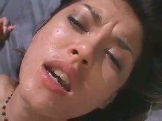 een deepthroat, heet japanse, kut likken thumbnail
