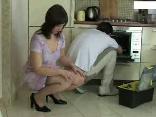 แม่บ้าน และ repairman วีดีโอ