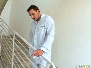 Caldi milf dr aletta ocean gets scopata e jizzed a lavoro video