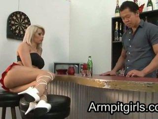 आर्मपिट licking 17