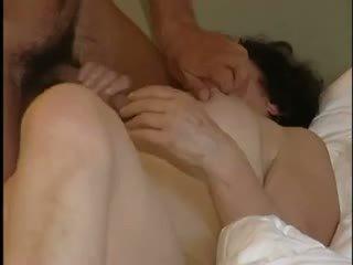 een hoorndrager porno, matures, heet milfs thumbnail