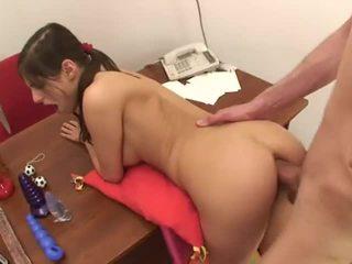 Petite tenåring anal 2