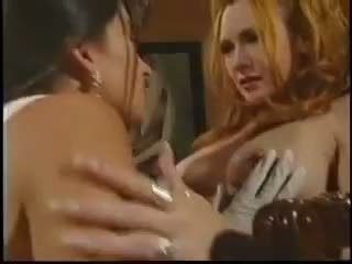 Stephanie Swift in lesbi scene
