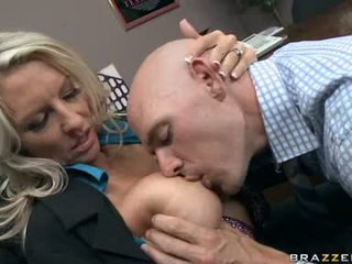 Emma Starr Blow The Cock Of Her Hunk Employee