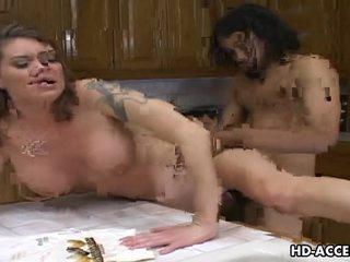 Hardcore fukanje v the kuhinja s kayla quinn video
