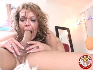 Kelly Leigh Swallows A Ramrod