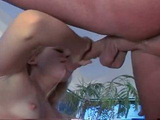 Liv wylder wraps pouty lips etrafında soaked shaft engulfing zor