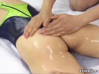 かわいい 日本語 ふしだらな女 hinano shirosaki massaged と fucks two cocks