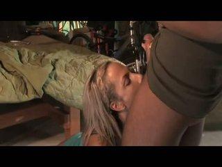 Sweetheart kara novak receives to engulfing on throbbing monstr sik