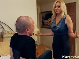 Old Julia Ann Making Love Onto Sleaze America