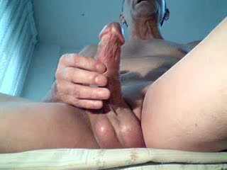 mistreating a beautiful cock hard, delights..!!