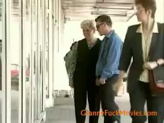 שחרחורת, סבתא 'לה, מציצה, cumshot