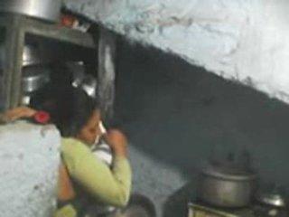 Kitas durys indiškas bhabhi seksas