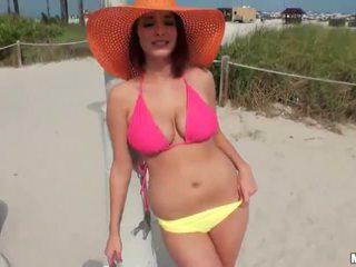 mooi vriendinnen video-, grote tieten scène, zien anaal