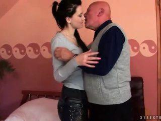 morena, hardcore sex, sexo oral, chupar