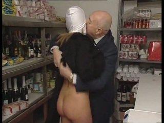 راهبة & قذر قديم رجل. لا جنس