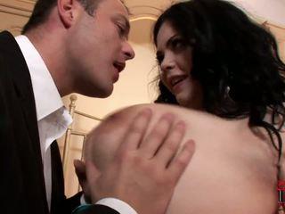 Riebus ir apkūnu prostitutė surprises jos klientas į the viešbutis kambarys.
