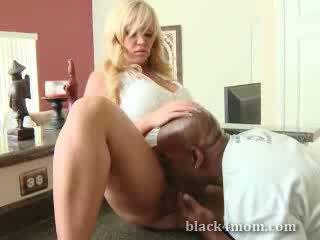 White Mothermymy eating ebony Cock