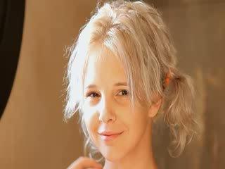 Golenie z piękne 21yo blondynka cipka