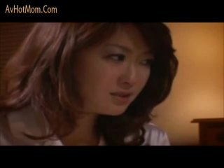 Japonská mother's jeden krok také zavřít