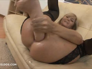 Grande brutal anal consolador y squirting