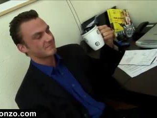 velká prsa, pěkný kancelář většina, anální