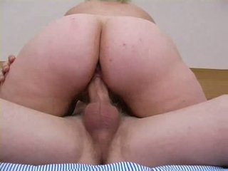 Mature mom want to be fucked by young big cook Video