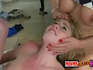 Allie james ve tanya tate emzikli tıraşsız