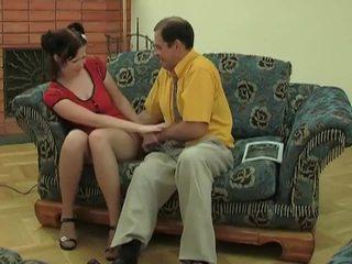 Joven chavala en calcetas gets follada por viejo dude
