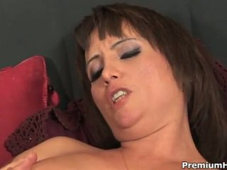 Milf sophia pussy filled with cum
