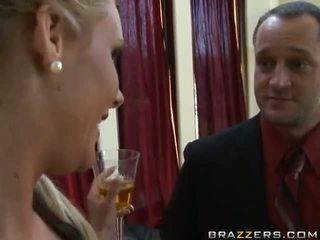 Phoenix marie und madelyn marie im aktion video