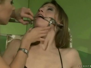 女子生徒 punishing a slavegirl
