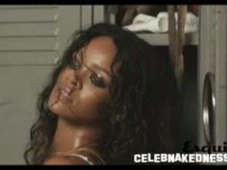 Rihanna seethrough να αυτήν κατάμαυρος/η στήθη σε ένα photoshoot