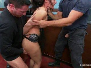 Sheena ryder has throat गड़बड़ द्वारा बेंक robbers