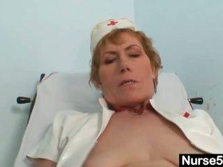masturberen neuken, controleren behaarde kut, heet enorme dildo