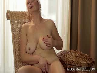 Mature blondie pleasuring Pussy