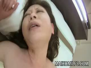 Япония бабичка rides хуй
