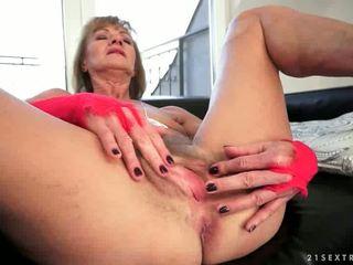 奶奶, 肛门, 铁杆