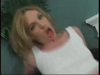 En chaleur nana hannah chasseur gets une profond cul baise et takes une énorme cumblast