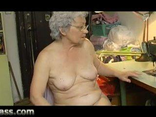 Domácívyrobený amatér buclatý starý babičky masturbating tuk kočička video