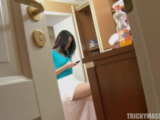 Massaging beauty marki jej napalone