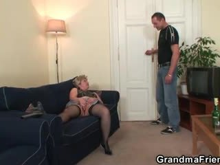 Babunia takes two cocks później masturbation
