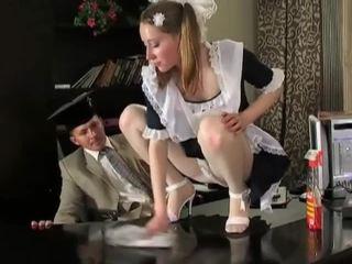 غير مطيع امرأة سمراء تنظيف فتاة في delicious raw كس pounding