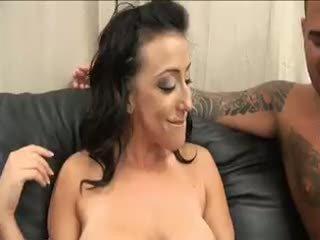 brunette tube, meest eerste keer, heet anaal actie