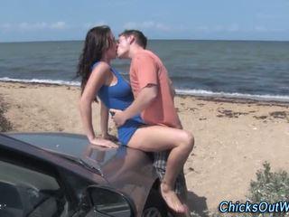 Real amateur novia al aire libre coño oral