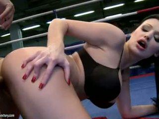 Aletta ocean receives neki édes gap szar -ban egy boksz ring által egy kemény fasz