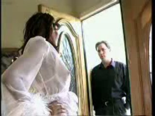 Swarthy Tranny Spreading Legs For Her New Neighbour
